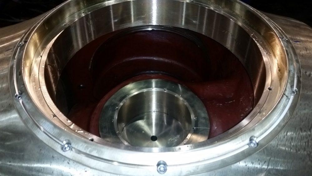 Foto Neue Lagerbüchsen und Verschleissringe werden eingebaut in 1000x563px | Propeller Service GmbH Bremerhaven